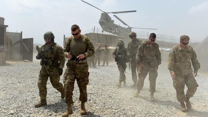هدف از آمدن نیروهای نظامی امریکا، کشورهای عضو ناتو و همپیمانان بین المللی آن در سال 2001 در افغانستان، مبارزه قدرتمندانه و دوامدار با بنیادگرایی و تروریسم بین المللی در افغانستان و منطقه، بود
