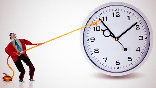 اگر مطابق با برنامهی زمانیتان قرار است کاری را در ساعت ۷ صبح به انجام برسانید، بهتر است پایبند آن باشید.