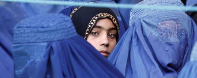 بیداد خشونت در خانواده های افغانستان؛ آیا کمپین ۱۶ روزه منع خشونت علیه زنان تاثیرگذار خواهد بود؟