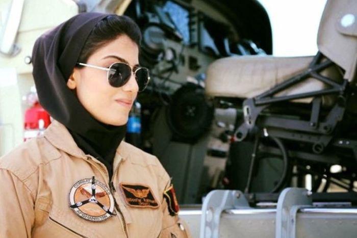 کاپیتان رحمانی در سال 2013، اولین زنی بود به عنوان خلبان جت ثابت در نیروی هوایی افغانستان شناخته شد و توجه عموم را به سوی خود جلب کرد