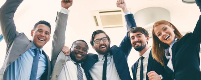 ۳ راه برای شاد نگه داشتن کارمندان در محیط کار