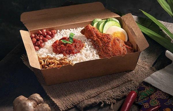 پرطرفدارترین غذایی که در سانتان سرو میشود، ناسی لمک از سرآشپز پاک ناصر است که به عنوان نوعی برنج نارگیلی با سس چیلی و خوراک مرغ توصیف میشود.
