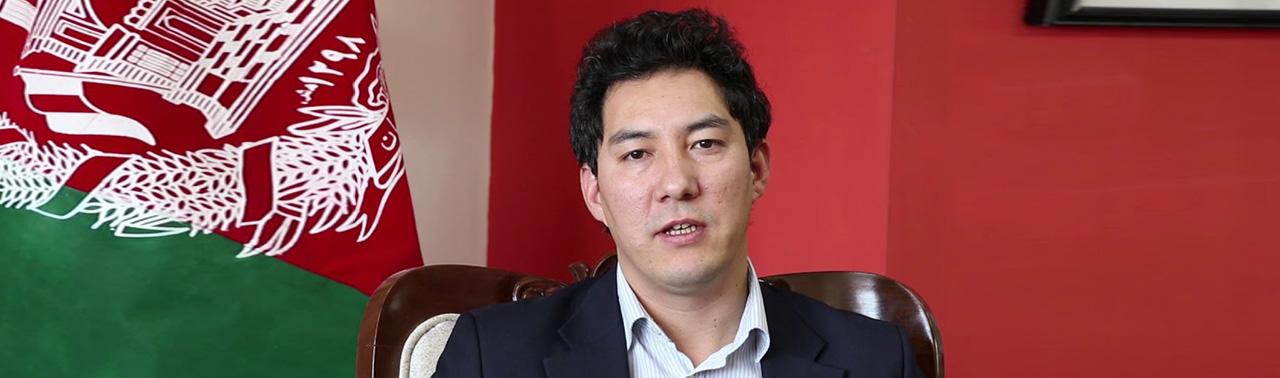 راه های کارآمدسازی نظام اداری افغانستان و تمرکززدایی با ایجاد زون های اقتصادی؛ در گفتگو با داکتر تیمور شاران