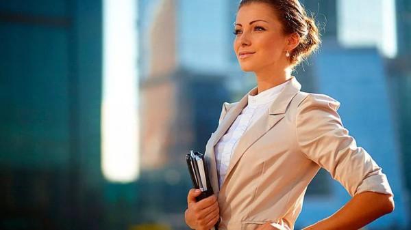 رایجترین جملهای که از زنان میشنوم این است که «من میخواهم کامل باشم.» این جمله در حیطهی کسب و کار به معنای ارائهی محصول یا خدمات بدون کم و کاست است