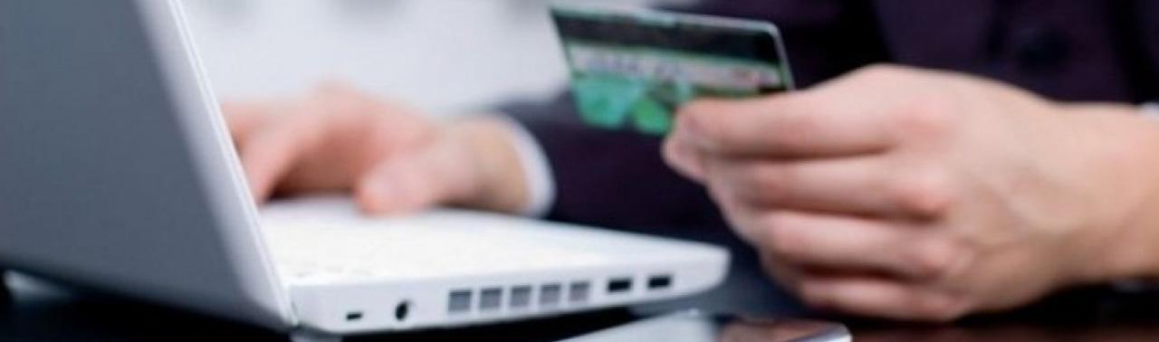 بانکداری الکترونیک در افغانستان؛ ۲ دهه فعالیت، خدمات پولی ضعیف و شهروندان سرگردان افغان