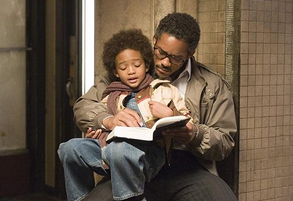 در جستجوی خوشبختی یکی از الهامبخشترین فیلمهاییست که تا کنون ساخته شدهاست. این فیلم داستان واقعی کریس گاردنر است، پدری مجرد که میخواهد زندگی بهتری برای خودش و پسرش بسازد.