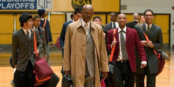 مربی کارتر داستان زندگی کِن کارتر را روایت میکند که به عنوان مربی بسکتبال یک لیسه مشغول به کار میشود .