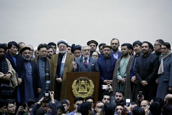 در واکنش به اعلان نتیجه نهایی انتخابات، عبدالله عبدالله در جمع طرفداران و شرکای سیاسیاش اعلان نمود که؛ «تقلبکاران رو سیاه تاریخ افغانستان است. ما حکومت همهشمول تشکیل میدهیم.»