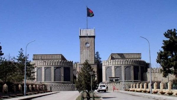 حکومت افغانستان؛ به عنوان یکی از طرفهای جنگ و صلح که در واقع بستر جنگ و صلح به حساب میرود، در عینحالی که یکی از کارگزاران روندِ صلح به شمار میرود، یکی از موانع عمده صلح نیز است