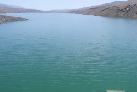 حوزه آبی هریرود، از نگاه ظرفیت منابع آبی سطحی چهارمین حوزه آبی در افغانستان به حساب میرود. ظرفیت آبی سالانهی آن حدود 2.53 میلیارد متر مکعب است که از ان جمله حدود 1.88 میلیارد متر مکعب ان در داخل افغانستان به مصرف میرسد و متباقی آن از کشور خارج میشود