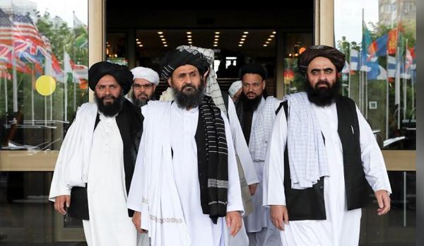 اعضای یک هیئت طالبان پس از مذاکرات صلح با سیاستمداران ارشد افغان در مسکو ، روسیه ، 30 می 2019 / عکس رویترز