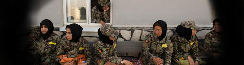 از آزار و اذیت تا تبعیض؛ یافته های کمیسیون حقوق بشر از چالش های زنان در ساختارهای دفاعی-امنیتی