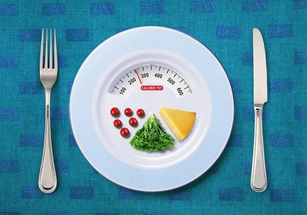 جان بروئر از واشنگتن در سن ۱۲ سالگی به ۱۳۵ کیلوگرم رسیده بود! او در بیمارستان با یک برنامهی غذایی ۱۲۰۰ کالری، ۴۱۹ کیلوگرم از وزنش را از دست داد و رکورد بیشترین کاهش وزن را شکست!