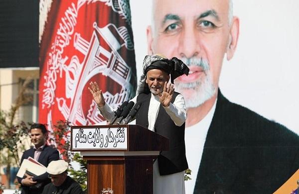 رییسجمهور غنی شرط گذاشته است که در صورتی رهایی زندانیان طالبان ممکن است که رهبران این گروه از پاکستان خارج شوند. آقای غنی بعداز توافقنامهی صلح آمریکا با طالبان، موضع خود را تغییر داده است