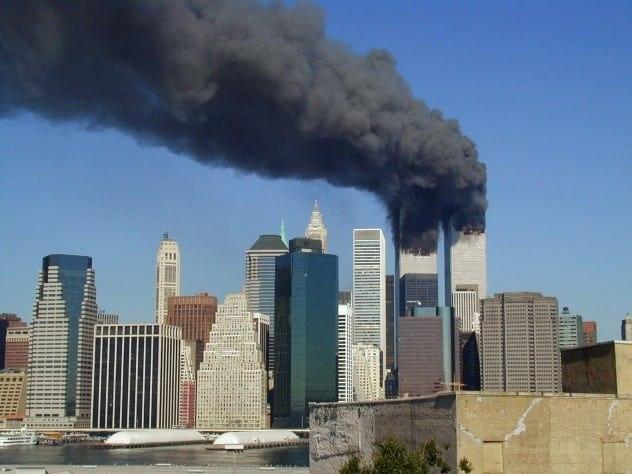 مدتها قبل از آنکه حادثه یازده سپتمبر رخ بدهد، سال ۱۹۹۴، تام کلنسی اتفاق مشابهی را از سوی تروریستان پیشبینی کرده بود.