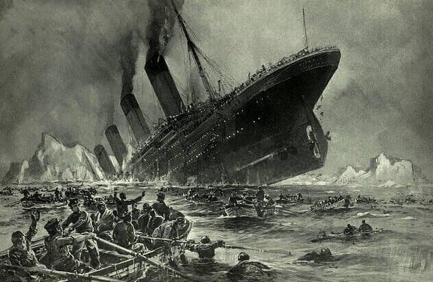۱۴ سال قبل از آنکه کشتی تایتانیک غرق شود، مورگان رابرتسون داستانی مینویسد از بزرگترین کشتی ساختهشده که غرق میشود.
