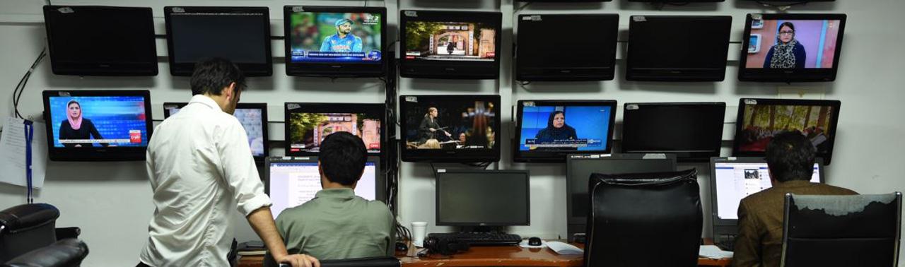 تاثیر کرونا بر فعالیتهای رسانهها؛ چرا در دوران قرنطینه خبرنگاران زن بیشتر متاثر شده اند؟