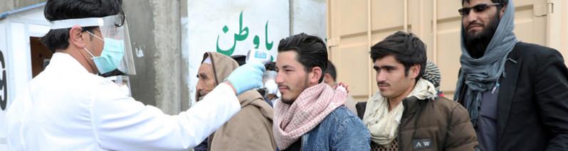 روزنگاری کرونا ویروس در افغانستان (۴۵)؛ از ۱۰ هزار مبتلا تا ساخت دستگاه ونتیلاتور توسط دختران رباتیک