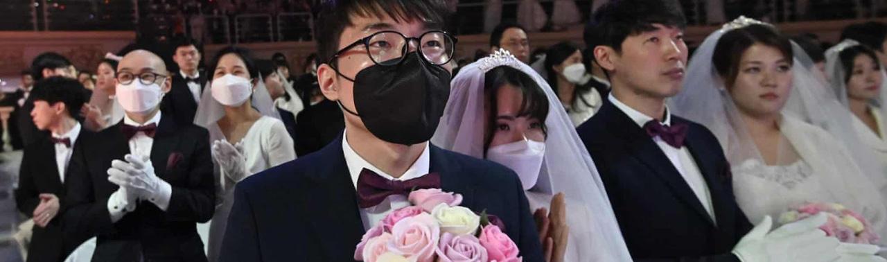 ازدواج در زمانه کرونایی؛ تصاویری از زوج های گوشه و کنار جهان