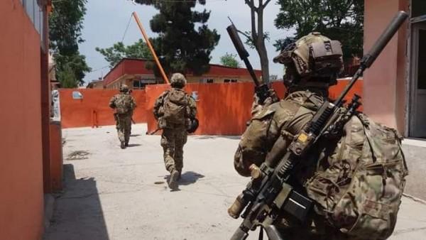 وزارت داخله با نشر اعلامیهای گفته است که سه تروریست مسلح، حوالی ساعت ۱۰ قبل از ظهر امروز(سهشنبه، ۲۳ثور)، بر شفاخانه ۱۰۰ بستر دشت در حوزه سیزدهم امنیتی شهر کابل، دست به حمله تروریستی زدند که در نتیجه این حمله، ۱۴ غیرنظامی بهشمول زنان و دو کودک کشته شدند و ۱۵ غیرنظامی دیگر بهشمول کودکان، زنان و کارکنان صحی زخمی شده اند