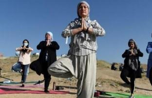 روز جهانی یوگا؛ واکنش های گسترده، ورزش یوگا و فشارهای مضاعف بر زنان در آستانه مذاکرات بین الافغانی