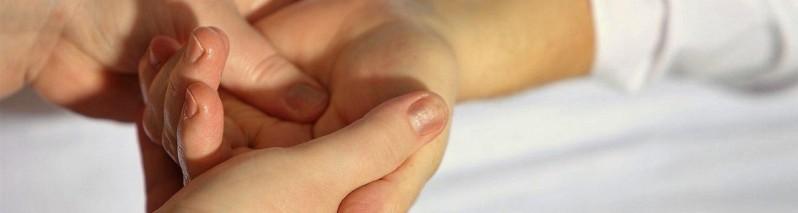 بازتاب درمانی دست: با فشار این ۹ نقطه بیماری ها را بهبود دهید
