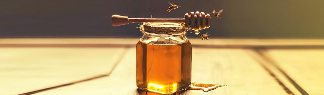 از درمان بی خوابی تا رفع اضطراب؛ ۸ کاربرد بی نظیر عسل
