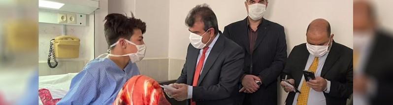 ولچک پس از آتش سوزی؛ دیدار سفیر افغانستان از نجات یافتگان رویداد آتش سوزی کارجویان افغان در ایران خبر ساز شد