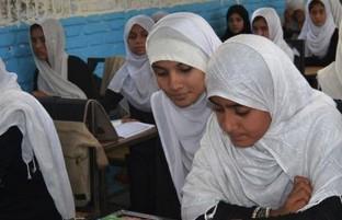 آغاز فعالیت مکاتب در افغانستان؛ کابینه به صورت انتخابی دروس حضوری در مکاتب را تصویب کرد