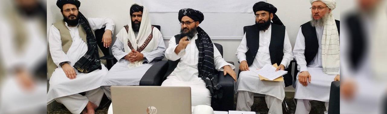 همزمان با دور تازه سفر خلیلزاد؛ وزیر خارجه امریکا با نمایندگان طالبان در قطر گفتگو کرده است
