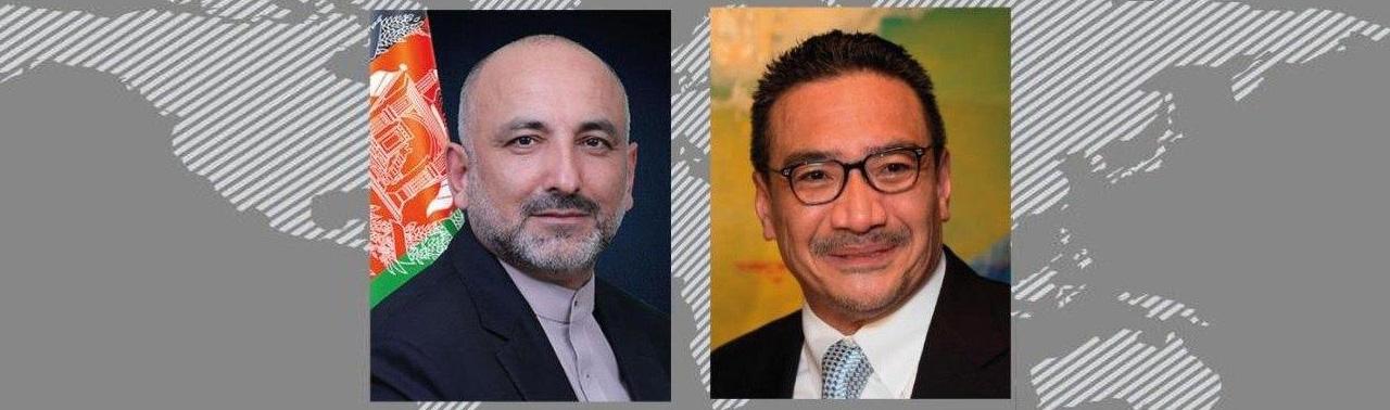 صلح  افغانستان؛ اتمر با وزیر خارجه مالیزیا گفتگو کرد