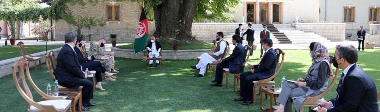 فرمانده ستاد فرماندهی مرکزی امریکا در کابل؛ امریکا و ناتو: تعهد همکاری با حکومت افغانستان پابرجاست