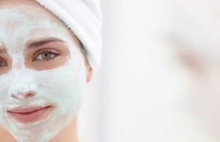 لایه برداری پوست صورت: ۶ شیوه که پوست را در خانه رویه سابی کنید