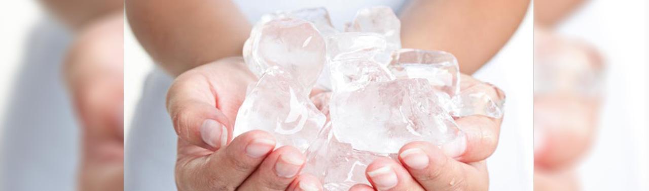 ۷ فایده شگفت انگیز یخ که احتمالا نمی دانید