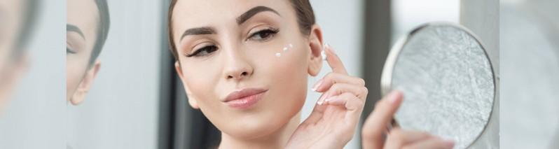 رفع تیرگی زیر چشم: ۱۰ روش طبیعی که حلقه های زیر چشم ها را از بین ببریم