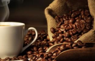 مضرات قهوه: ۵ عارضه جانبی که نوشیدن بیش از حد قهوه ایجاد می کند