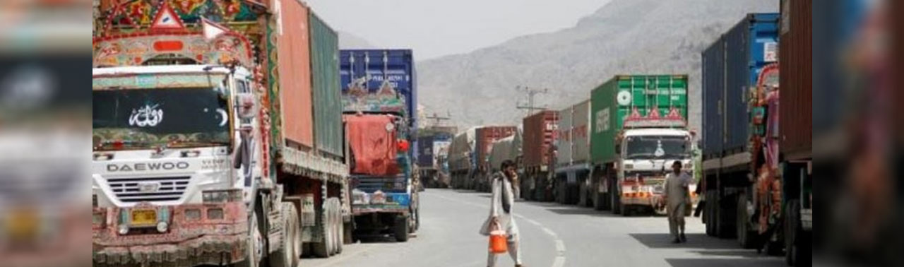 عمران خان: تجارت و ترانزیت پاکستان و افغانستان در هفته جاری به حالت عادی بر می گردد