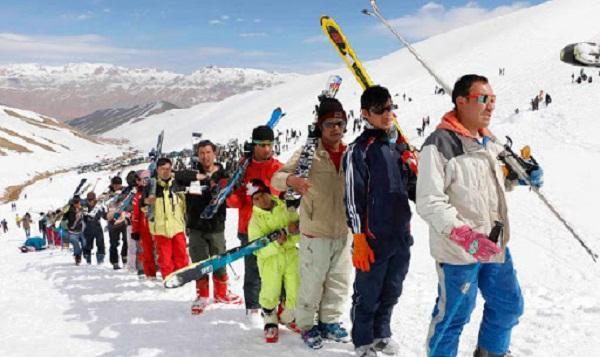 در حال حاضر هر سال زمستان، ورزشکاران برای شرکت در مسابقات اسکی، هاکی روی یخ به این ولایت سفر میکنند.