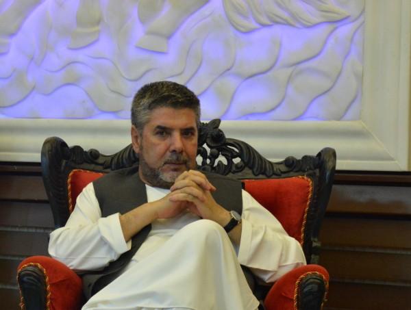 پاکستان با آمریکاییها همکاری میکند که نیروهایی شان از افغانستان بیرون کنند، اما به هیچ صورت نمیخواهد که افغانستان دارای یک حکومت مقتدر باشد