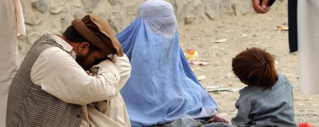 فقر زمینه ساز سربازگیری تروریستان؛ یک سوم شهروندان افغانستان در فقر مطلق به سر می برند