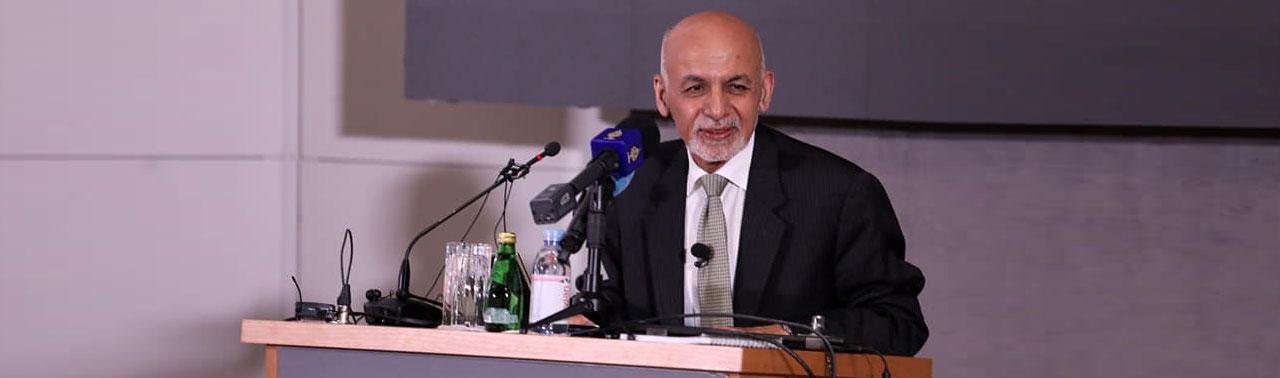 ادامه اختلافات در روند مذاکرات دوحه؛ غنی: جنگ ۲۰ ساله در ۲۰ روز پایان نمییابد