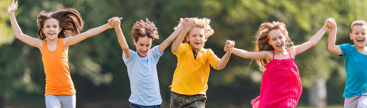 محققان فاش میکنند: ۱۰ نکته طلایی که کودکانی شاد تربیت کنیم