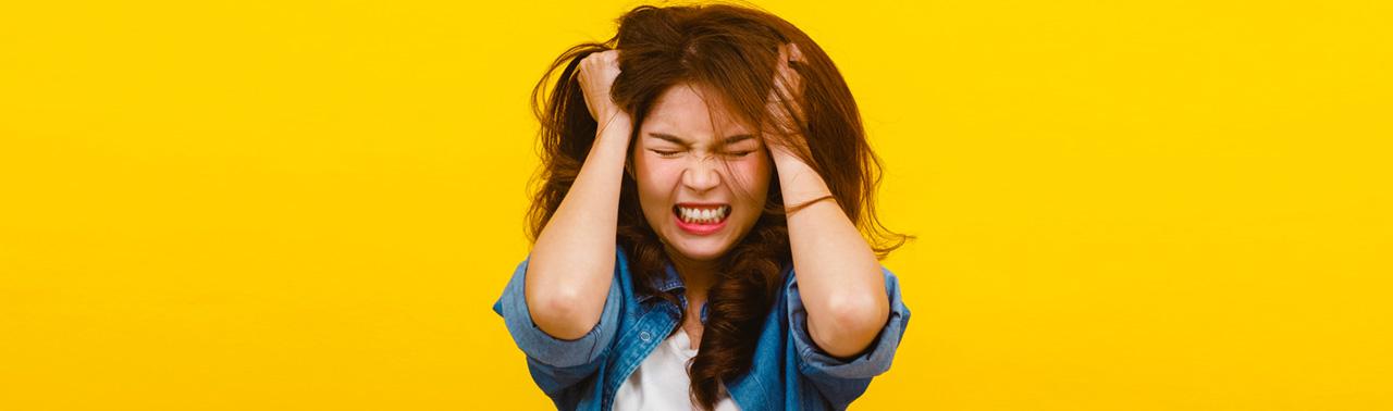 ۸ نشانه که استرس تار و پود زندگی تان را تحت تاثیر قرار داده است