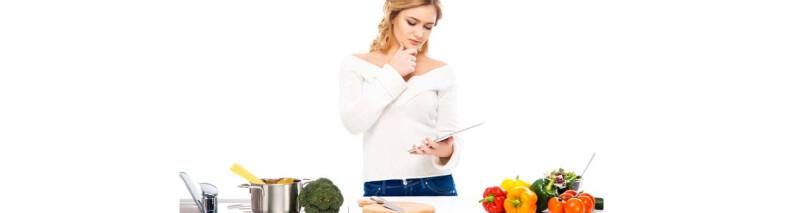 ۱۴ ترفند آشپزی و آشپزخانه که کمک تان می کند سالم تر غذا بخورید
