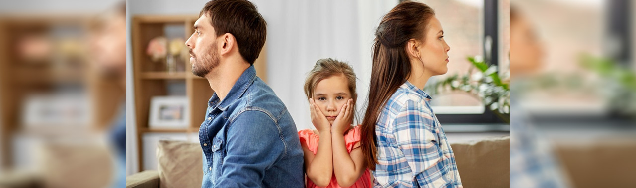 ۱۰ نشانه والدین سمی که بسیاری از آدمها نمی دانند