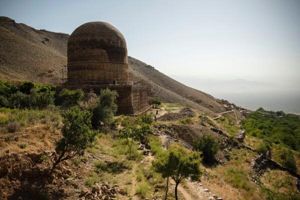 استوپای بودایی تاپدارا٬ در شمال کابل است و دو ساعت با این شهر فاصله دارد - کیانا هایبری برای نیویورک تایمز