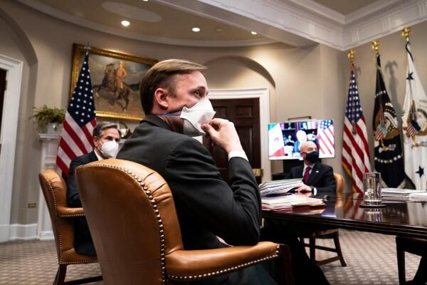 سالیوان در تاریخ یکم مارچ و در یک ملاقات مجازی با بایدن و آندره مانوئل لوپز اوبرادور، و رئیس جمهور مکزیک در کاخ سفید در تاریخ 1 مارچ گوش میدهد.
