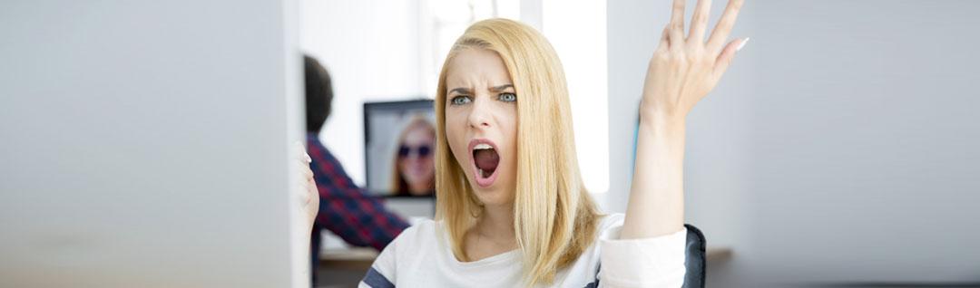 اگر این رفتارها را از خود بروز بدهید، دارای هوش هیجانی پایینی هستید!