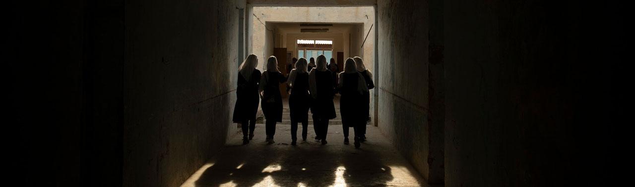 در مناطق تحت کنترل طالبان، دختران پی یک چیز می گریزند: آموزش