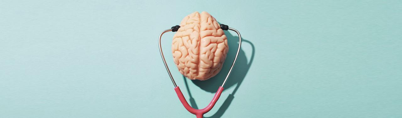 ۷ عادت روزانه که عامل پیری مغز هستند